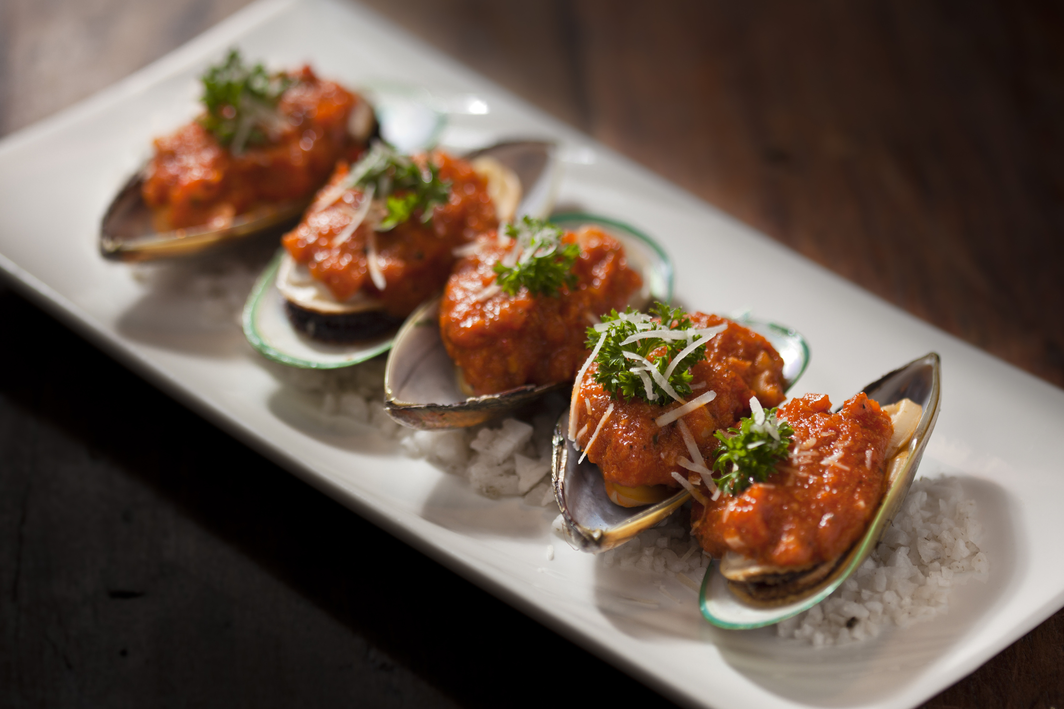 New zealand mussels with tomato sauce